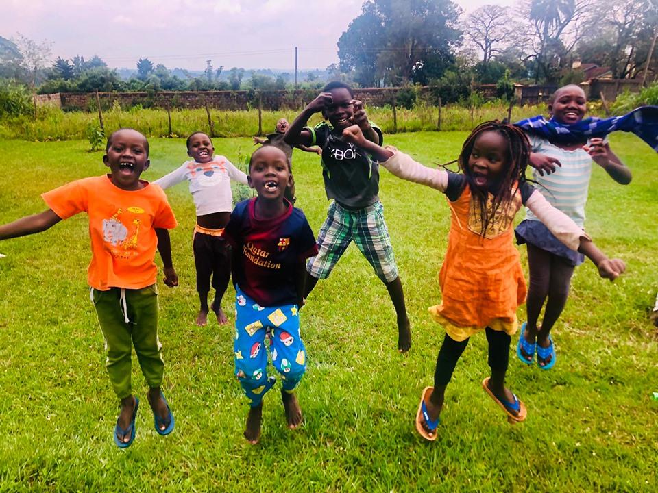 Home-Schooling für Waisenkinder bei OTEPIC in Mitume-Slum/Kenia